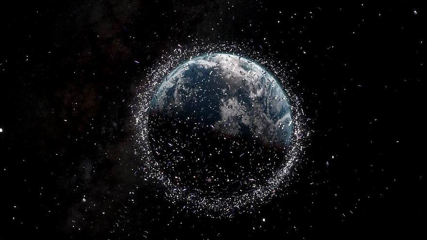 ¿Qué podemos hacer con las 8.000 toneladas de desechos espaciales que orbitan la Tierra?
