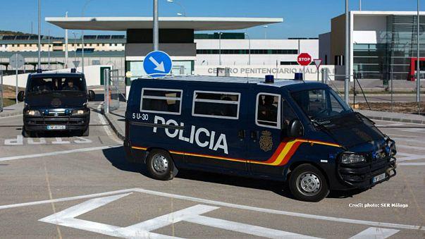 إسبانيا تحتجز نحو 500 مهاجر غير شرعي من بينهم جزائريين في سجن ملقة