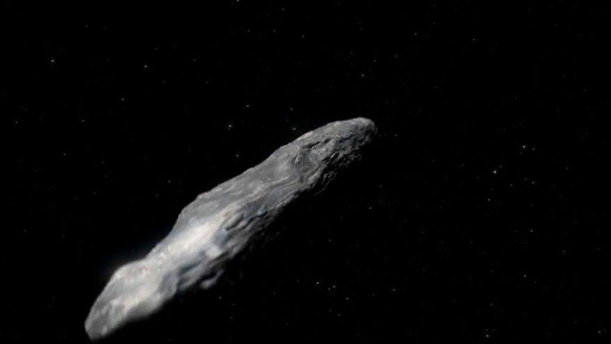 علماء الفلك يرصدون جسما غريبا يسبح في السماء