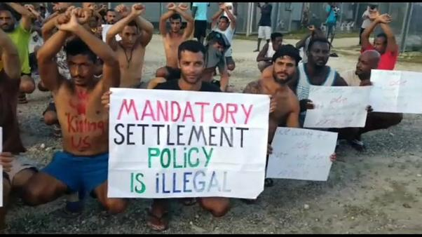 PNG police round-up protesting asylum seekers