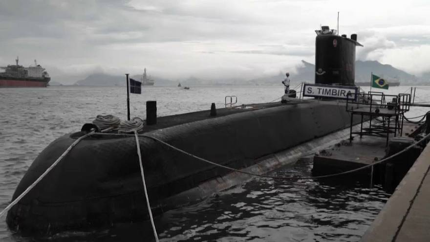 Brasil apoia Argentina nas buscas do submarino desaparecido