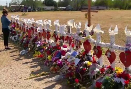 Gun checks review in wake of Texas shooting