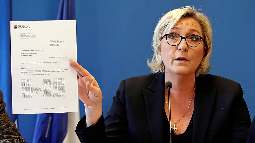 """مارين لوبان تستخدم عبارة """"الفتوى"""" للتنديد بالحظر البنكي على حزبها"""