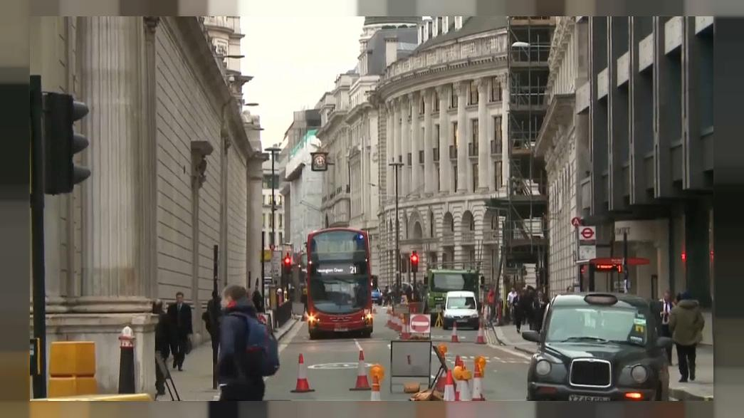 UK economy: moderate growth but inflation remains high