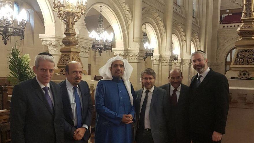 مسؤولان سعوديان يزوران كنيساً يهودياً في باريس