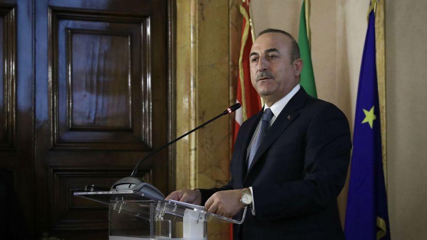 Çavuşoğlu: Türkiye S-400 ile Avrupa'dan uzaklaşmaz