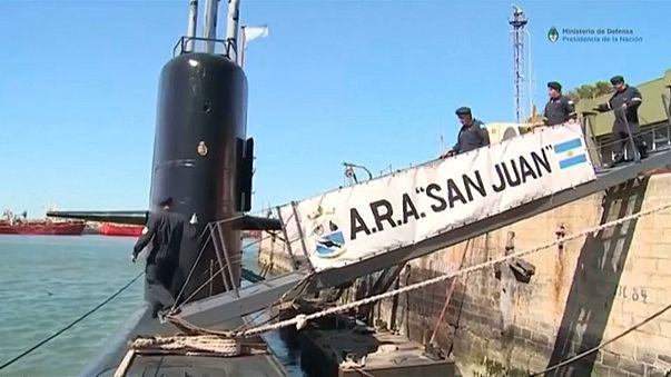 """Sous-marin argentin : """"On est venu assister à des funérailles"""""""