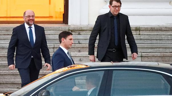 SPD debates rejoining 'grand coalition' with Merkel