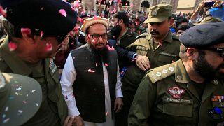 باكستان ترفع الاقامة الجبرية عن العقل المدبر لهجمات مومباي
