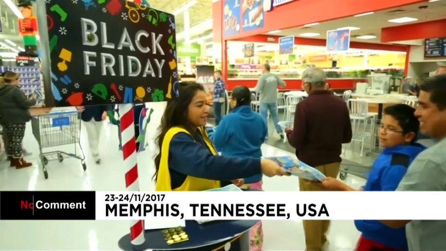 Már a Hálaadás estéjén elkezdték a Fekete pénteki bevásárlást az amerikaiak
