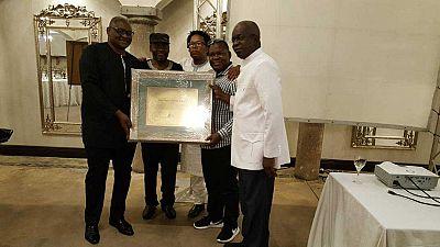 Burkina : le président Kaboré honoré par le Forum des éditeurs africains