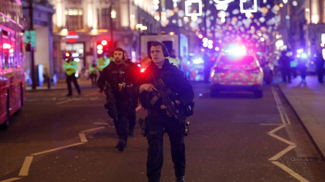 Police end operation over reports of 'gunshots' in central London