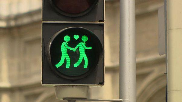 Flotte Zweier: Wiener Ampelpärchen für mehr Toleranz
