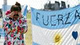 Argentine president promises full inquiry into missing sub