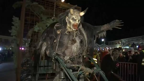 Krampus tomam de assalto ruas de Hollabrunn
