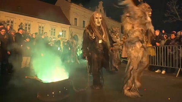 Krampus, el acompañante feo y malvado de Santa Claus