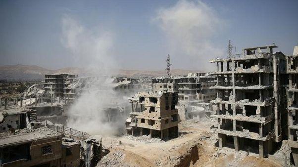 المرصد السوري: مقتل العشرات في غارات على دير الزور والغوطة الشرقية