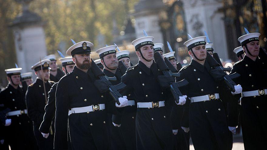 تعویض پستهای نگهبانی باکینگهام با حضور ملوانان نیروی دریایی سلطنتی