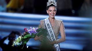 Candidata sul-africana eleita Miss Universo