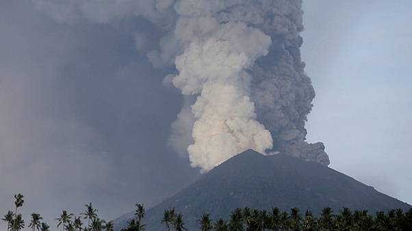 Бали: вулкан Агунг диктует условия