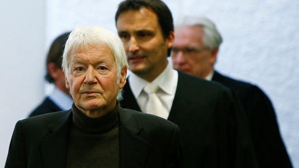 Anton Schlecker in tribunale prima del verdetto