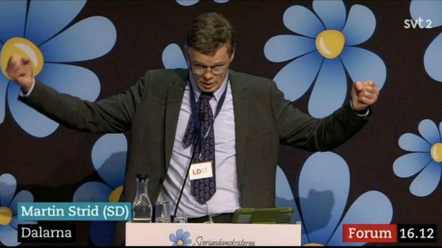عزل سياسيٍ سويدي قال إن المسلمين ليسوا بشرا 100%