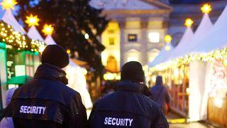 Berlin Noel Pazarı saldırıdan bir sene sonra halka açıldı