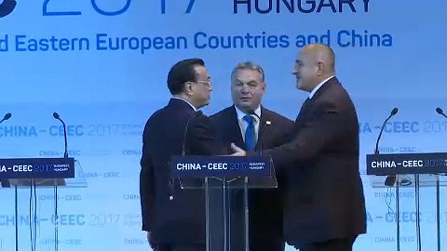 Cimeira da CEEC: Desenvolvimento do Centro e Leste da Europa passa pela China
