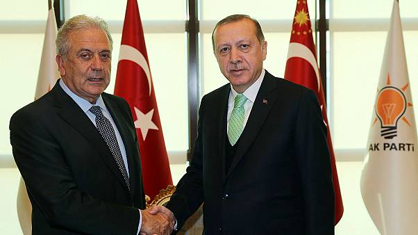 Με τον πρόεδρο της Τουρκίας συναντήθηκε ο Επίτροπος Δ. Αβραμόπουλος