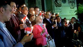 نقابة الصحفيين المصرية تنظم وقفة بالشموع حداداً على ضحايا هجوم الروضة