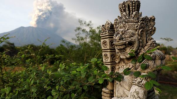 Bali braces for Mount Agung 'major' eruption