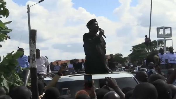 Watch: Kenyan opposition leader claims he is president