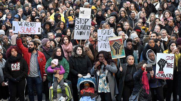 Frankreich fordert gezielte Sanktionen gegen libyschen Sklavenhandel