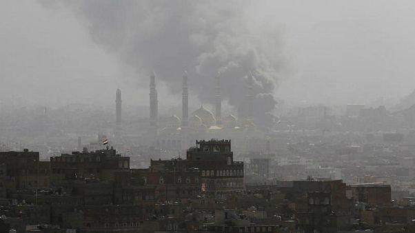 عربستان بدنبال چراغ سبز صالح، مواضع حوثیها را در صنعا بمباران کرد
