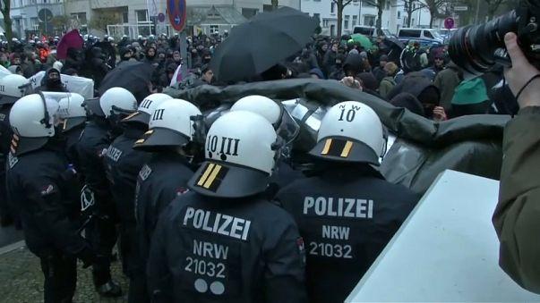 Hanôver recebe congresso e protesto contra extrema-direita