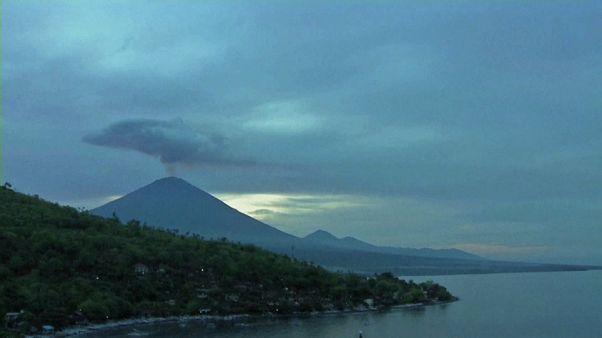 Bali pede ajuda divina para evitar outra trágica erupção do Agung