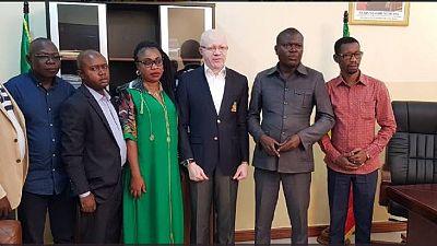 Congo : des journalistes agressés face au ministre de la Communication