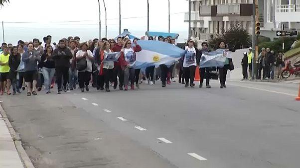 Az eltűnt tengerészekért tüntettek