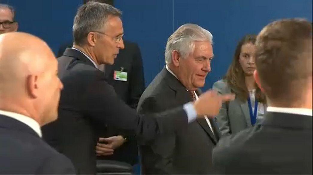 Тиллерсон встречается с коллегами по НАТО