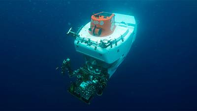 A deep-ocean submersible, Alvin can reach a depth of 4,500 meters on dives lasting up to 10 hours.