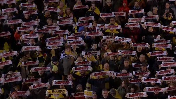 Bağımsızlık yanlısı Katalanlara seçim öncesi tahliye