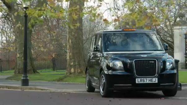 Jönnek az elektromos londoni taxik