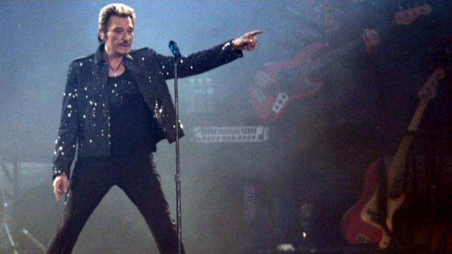 Efsane Fransız sanatçı Johnny Hallyday hayatını kaybetti