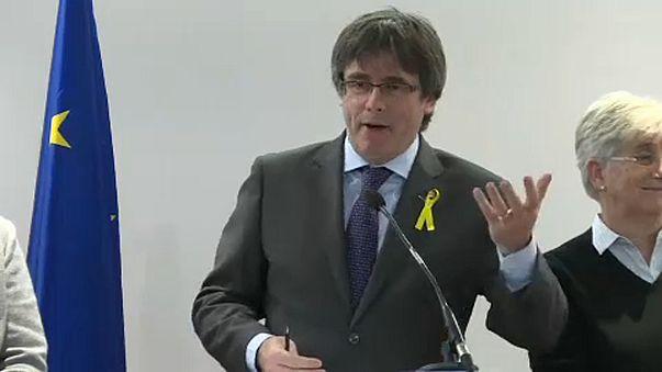 """Puigdemont achaca la retirada de la euro orden al """"miedo al ridículo"""""""
