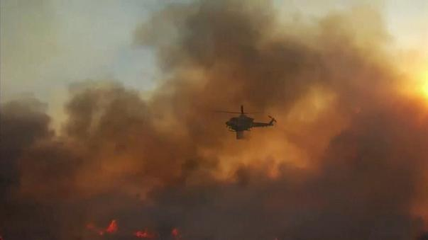 Las llamas devoran las mansiones de Bel Air