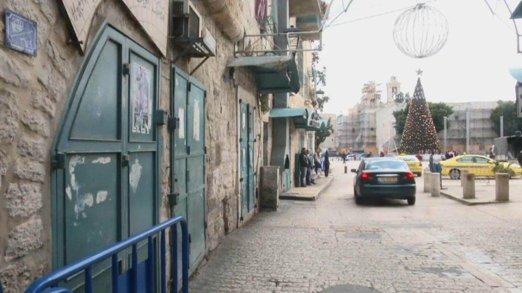 إضرابات شاملة في الضفة الغربية ومواجهات مع قوات الاحتلال