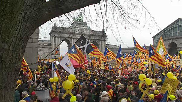 Ayrılıkçı Katalanlar Brüksel'de eylem yaptı