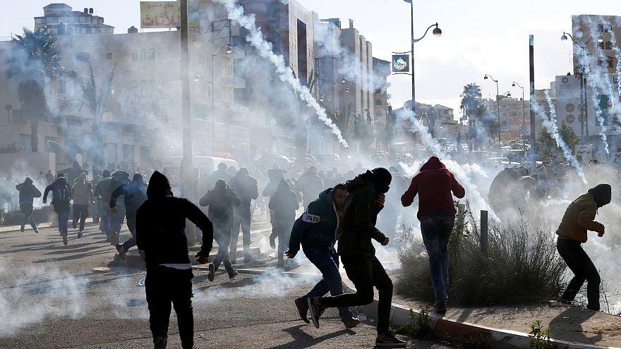Palestinianos envolvem-se em confrontos com militares israelitas