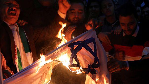 Tüntetéshullám a Közel-Keleten