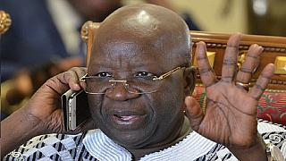 Burkina Faso : une arme de guerre conduit le ministre de la sécurité en justice
